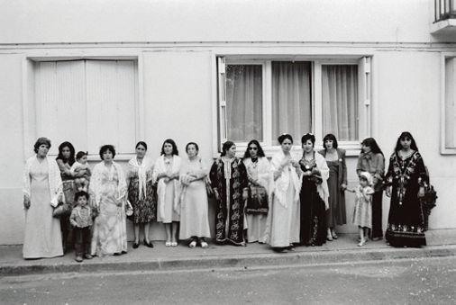 Ma mère, histoire d'Une immigration 1977 © Farida Hamak Exposition Artiste galerie d'art contemporain Lyon Croix-Rousse Regard Sud