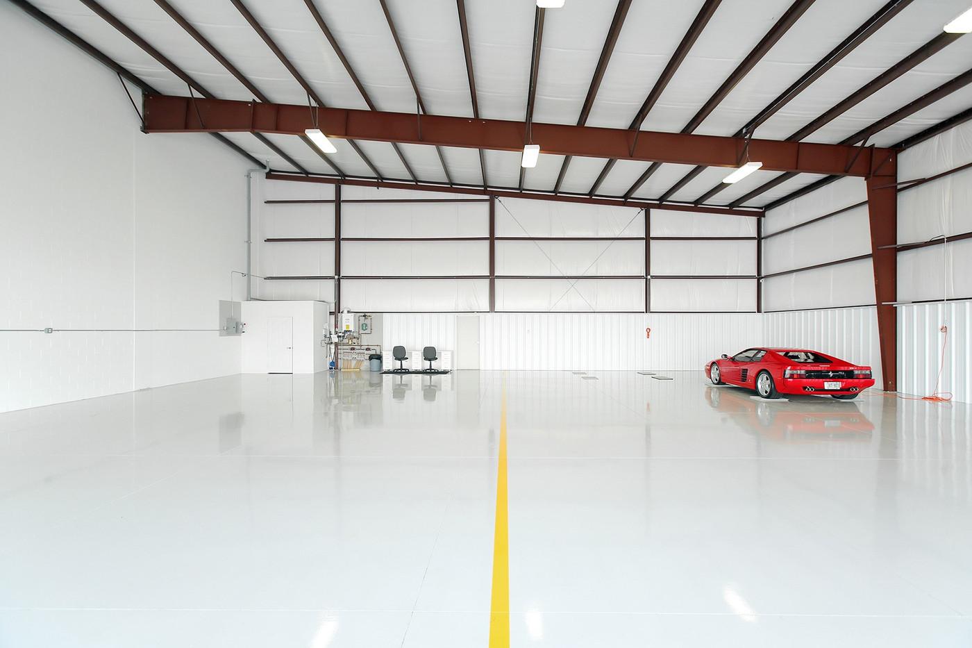 Hangar (9).jpg