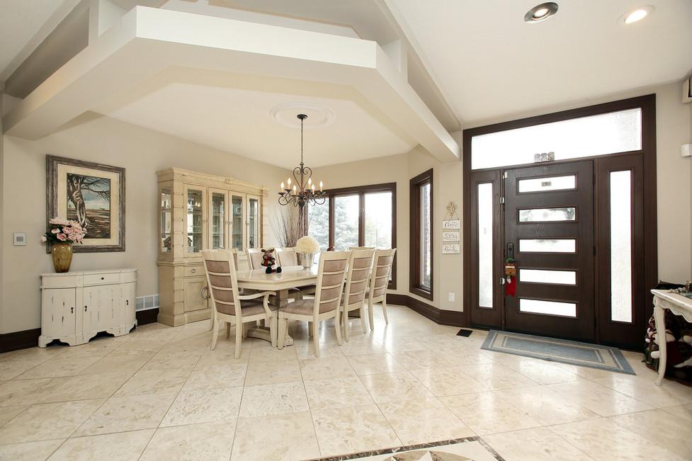 Dining Room Foyer (2).jpg