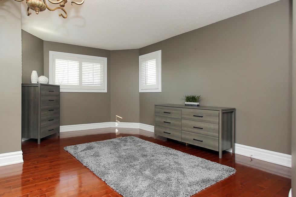 Master Bedroom Sitting Area.jpg