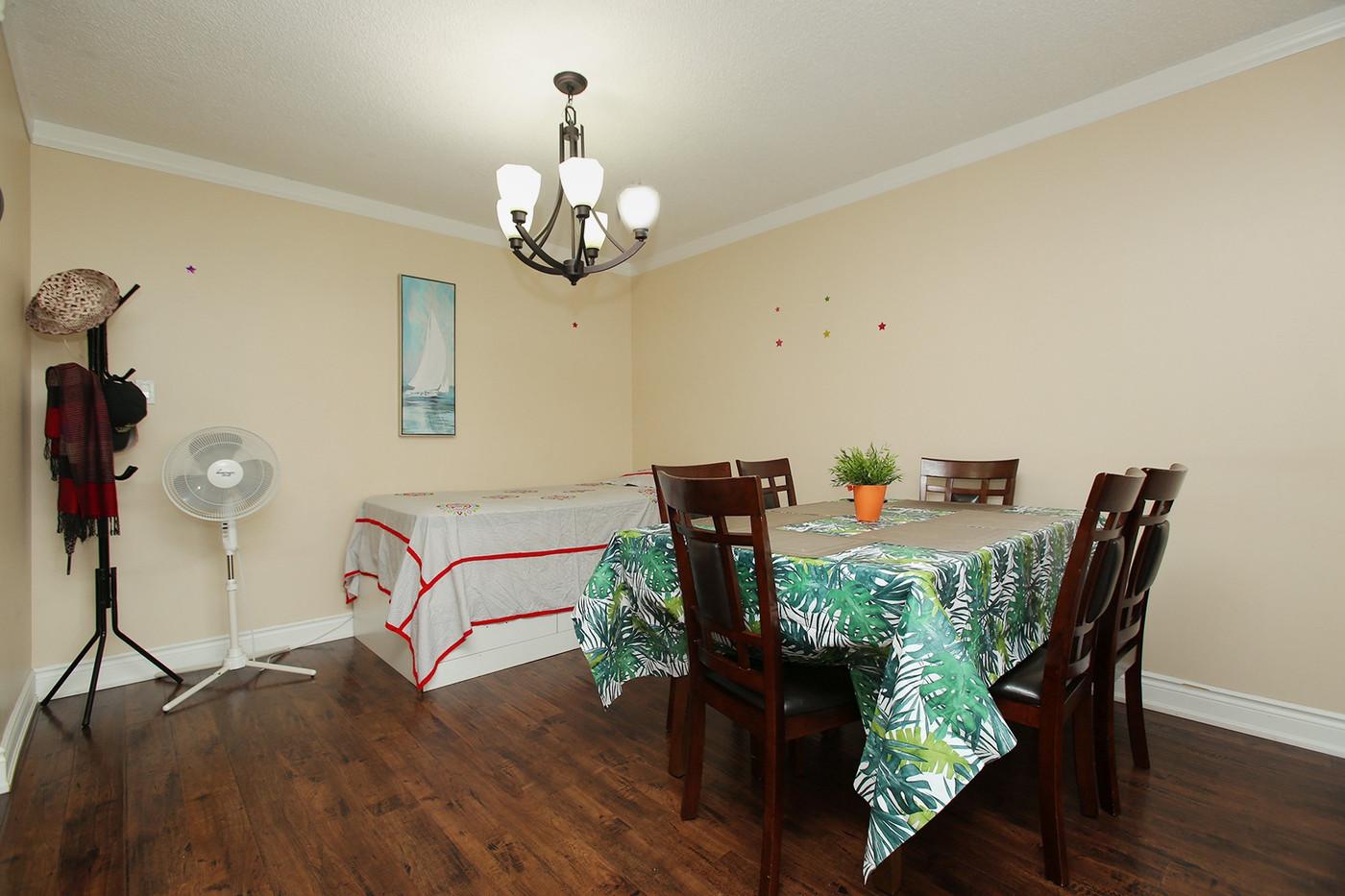 Dining Room (2).jpg