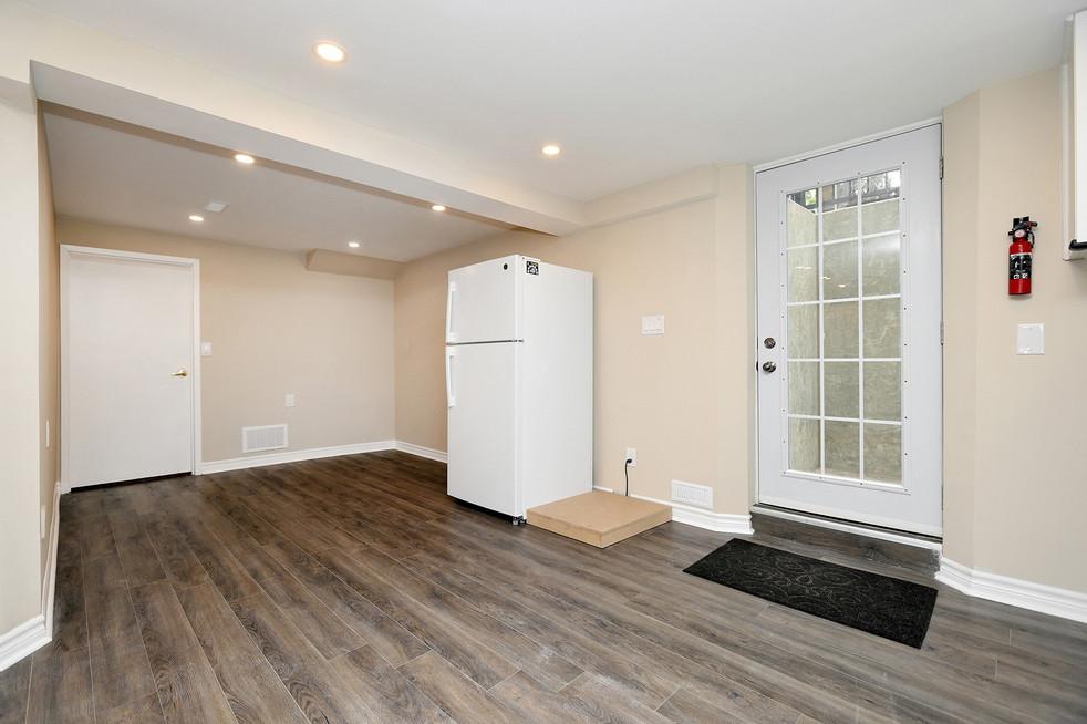 Living Room. (2).jpg