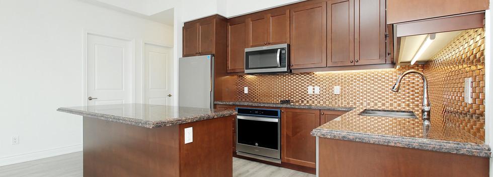 11 Kitchen.jpg