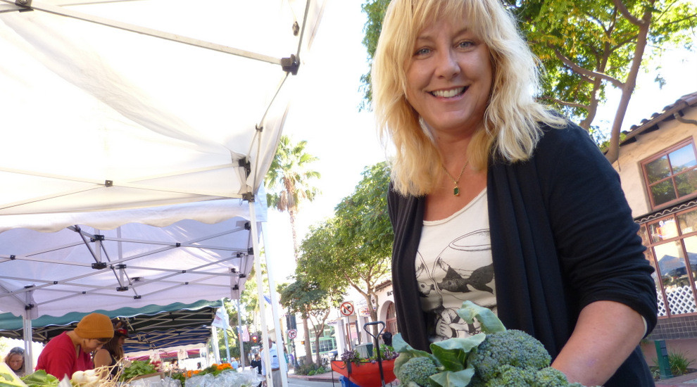 lynette at farmers market