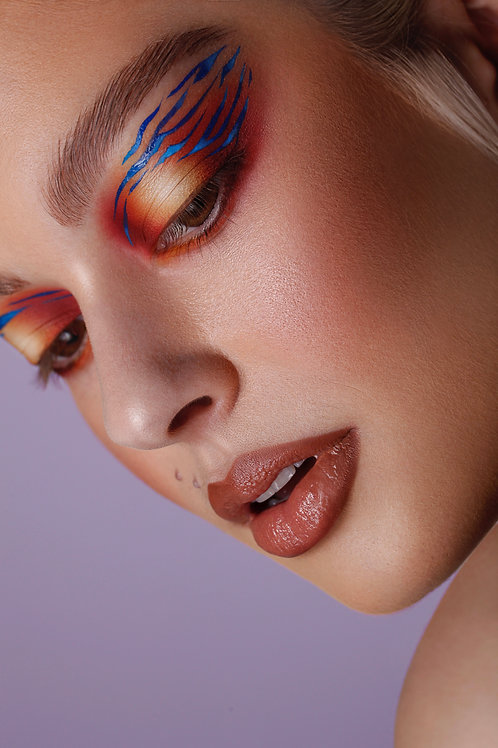GRAPHIC LINER 2020