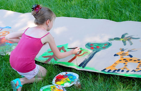 kid-painting-outside-outdoor-art.jpg