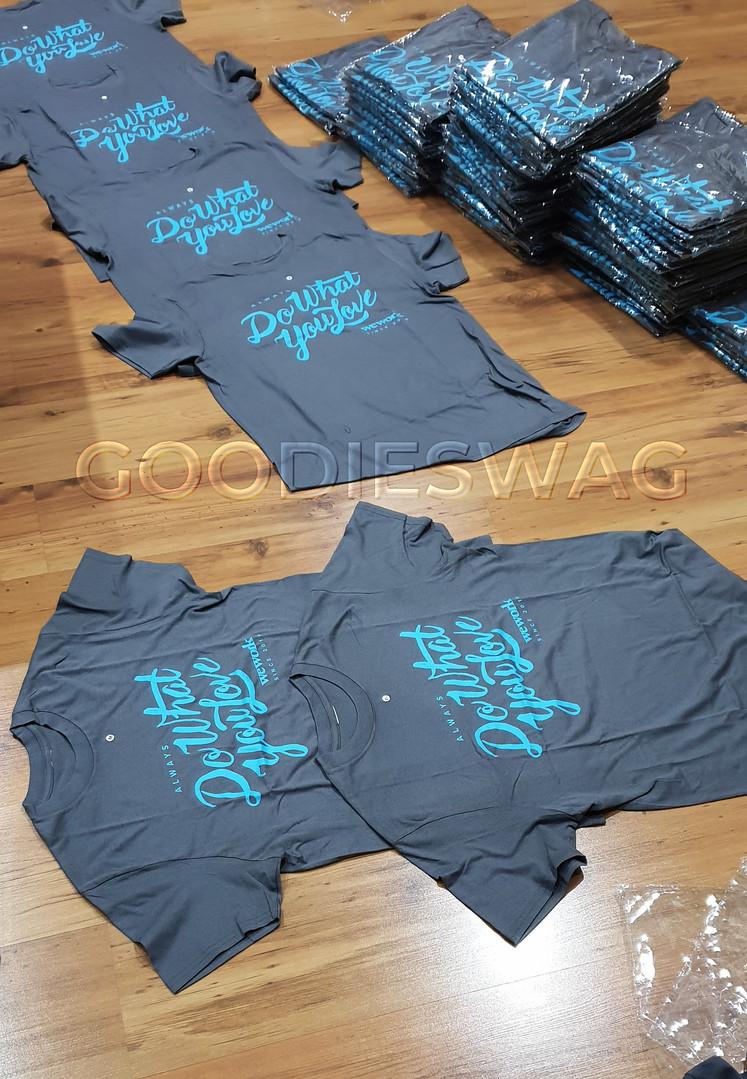 Custom Tshirt for WeWork – Jakarta Indonesia – Silkscreen Printing, Souvenir Promosi Perusahaan, Sablon Kaos Custom