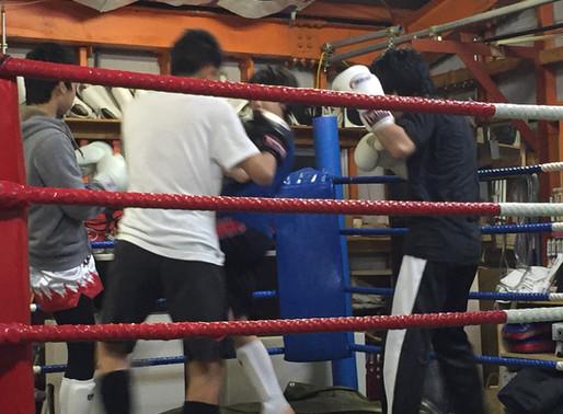 多摩市・楽しく強くなるキックボクシング・あしたのその1「構え」