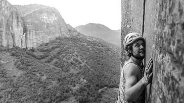 Initiation to trad climbing in Yunnan, China