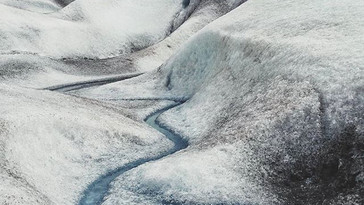 How does the Greenland ice cap melt?