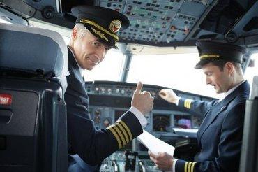 Второй пилот воздушного судна А320