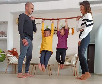 משחקי תנועה להורים וילדים.