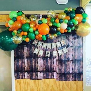 Organic Balloon Garland  #inflationsball