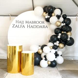 Another fabulous black, white & gold gar