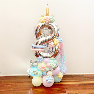 Balloon Compositon_Single_Number_8.jpg
