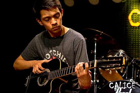 Clases de Guitarra Acústica en La Molina, Ate, Mayorazgo, Santa Anita, Surco, Chaclacayo, Cieneguilla, Chosíca, Lima, Perú.