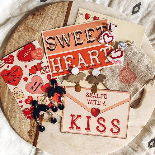 **Valentine's Day Gift Wrap**