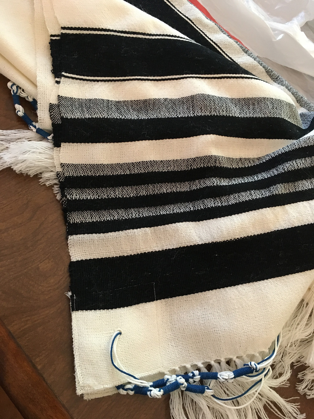 Close up of Tallit stripes