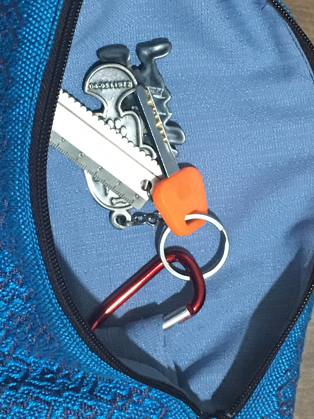 Carabiner clip keeps keys handy