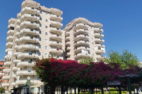 Просторные апартаменты 2+1 у парка в центре Махмутлара