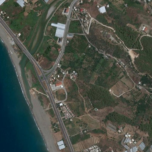 Участок земли строительного назначения в живописном пригороде Демирташ