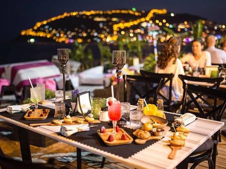 В Турции открываются рестораны, кафе и другие локации