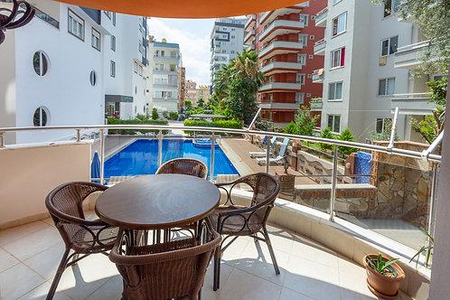 Красивые апартаменты-люкс с мебелью, техникой и большой террасой (Махмутлар)