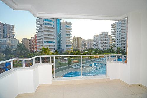 Апартаменты-люкс 1+1 в комплексе с зимним бассейном (Махмутлар)