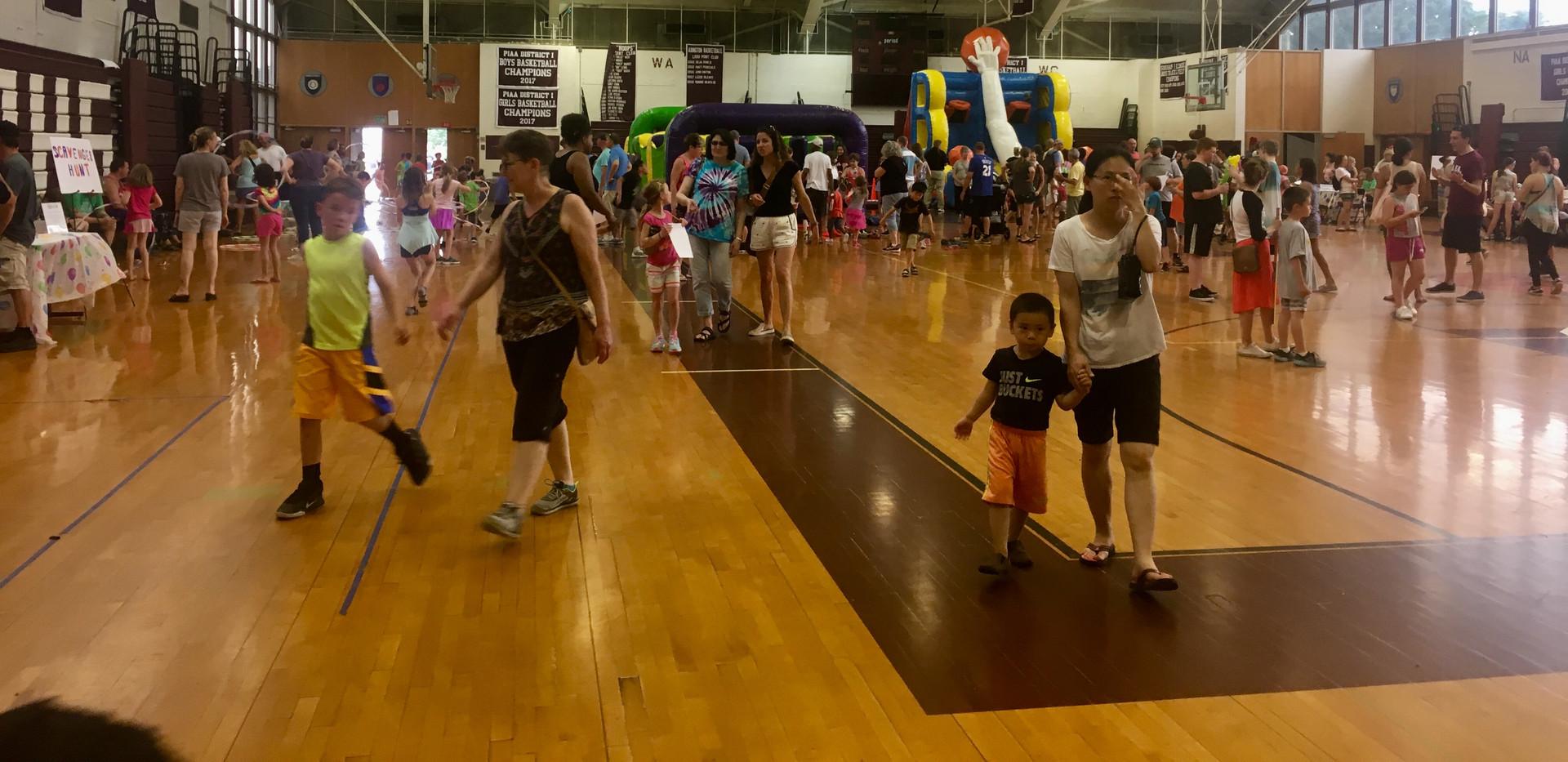 Gym - crowded.jpg