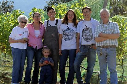 v2-Fixed-Sauk-Farm-Family-Photo---5472-x