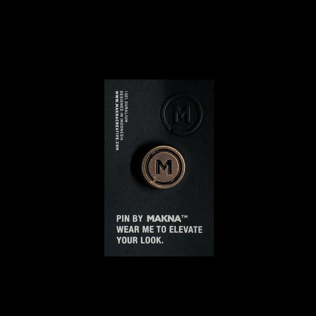 MAKNAMERCH-PIN GOLD.JPG