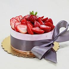 Strawberry Mousse Cake (Large)