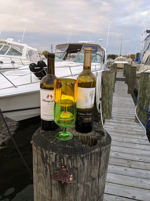 Relax Yacht Basin