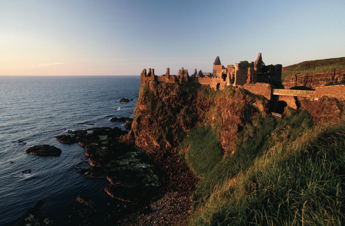 20598_Dunluce Castle