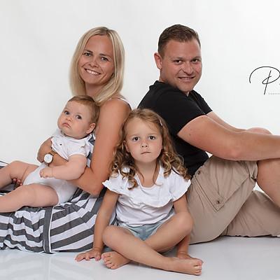 Familie S_ (2+2)