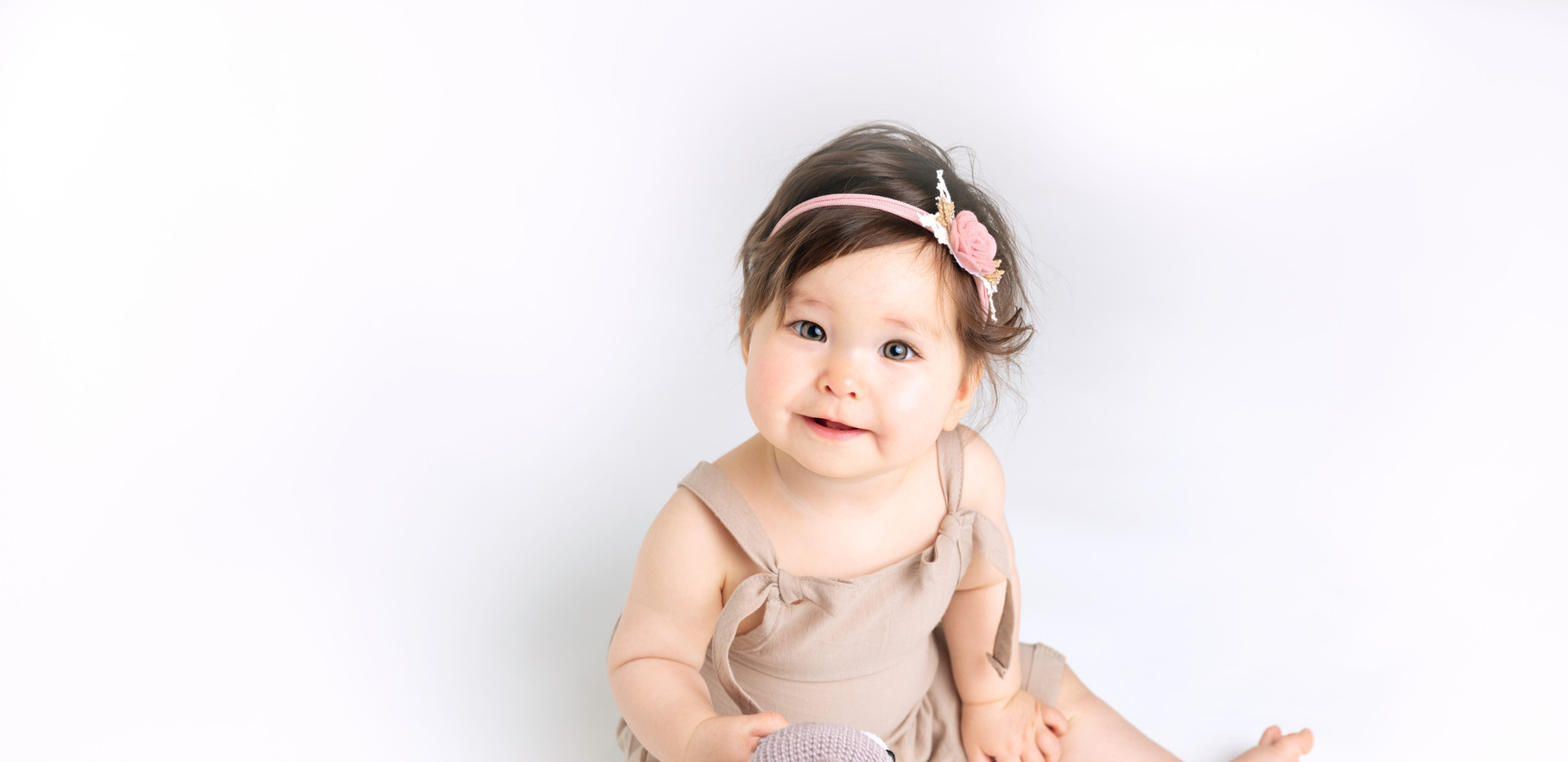 Sitzendes Baby [_V6A7797-Edit.jpg]