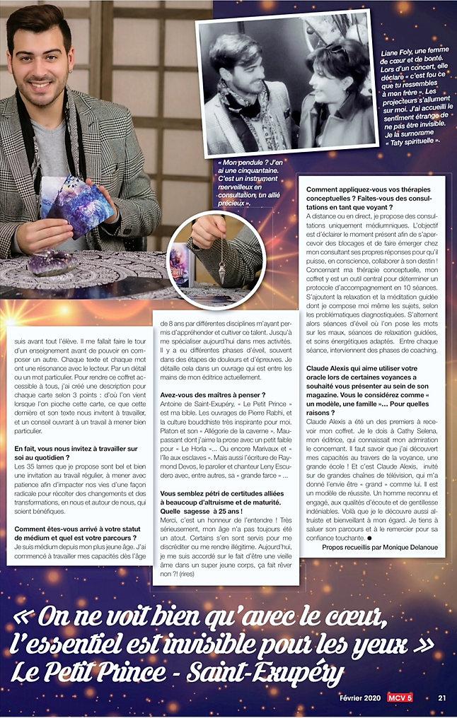Interview sur Les Chemins de l'Eveil de Dylan COLLIN. Une double page est consacré à l'auteur dans ce MCV le mag de Claude Alexis . Dylan voyant renommé médium et accompagnant partout en france et basé en Gironde
