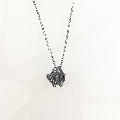 Twist sphere necklace