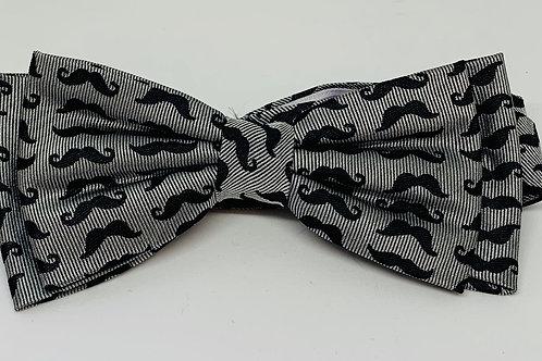 Coton Doux Bowtie 'Silver Mustache'