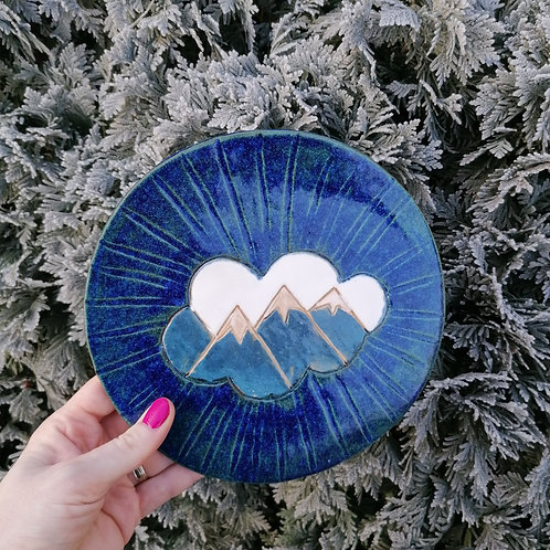 MOUNTAINS decorative plate
