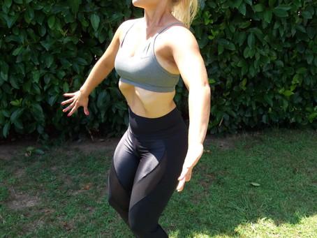 Vahva keskivartalo Hypopressive -alipainehengitys harjoittelulla