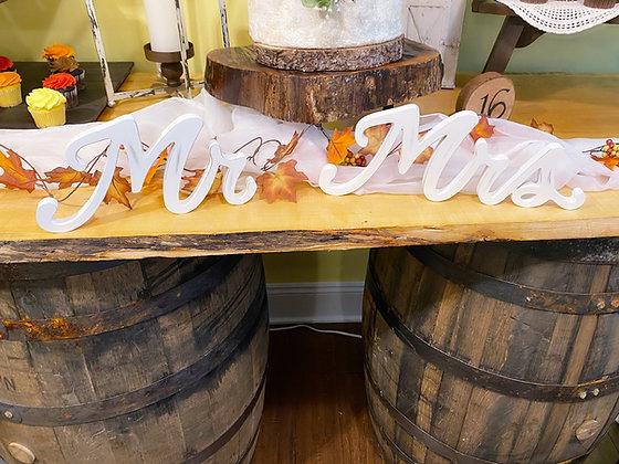 White Mr & Mrs sign
