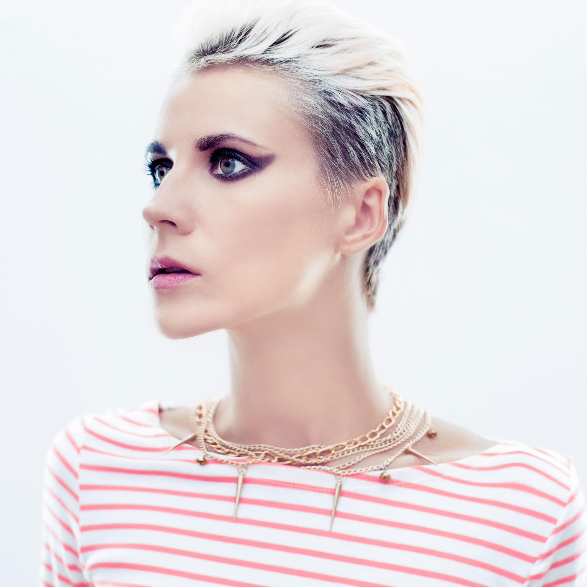 Trendy Jewelry Model