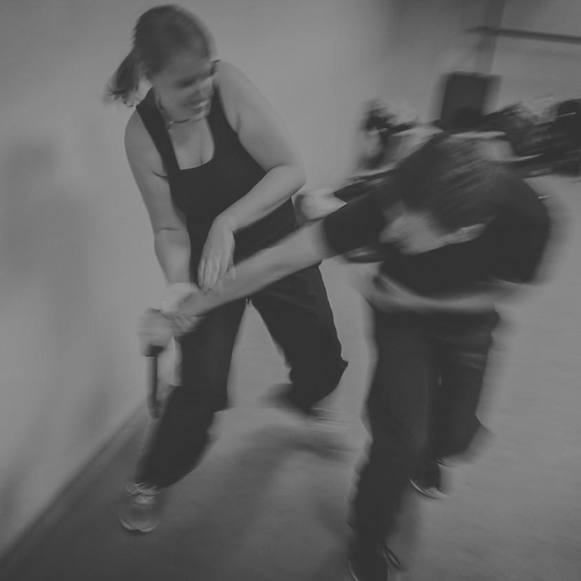 Selbstverteidigung – Abwehr von Messer und Stock