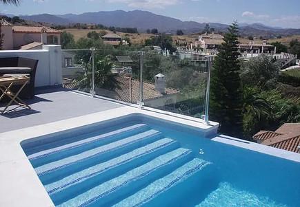Swimming Pool Glass Balustrades