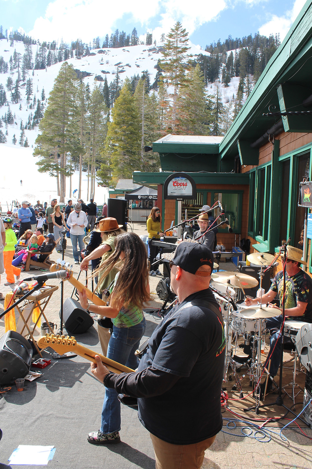 Lumanation rockin' the deck at Alpine Meadows