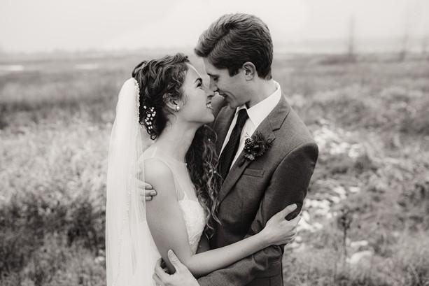 intimate wedding in hartland, wi