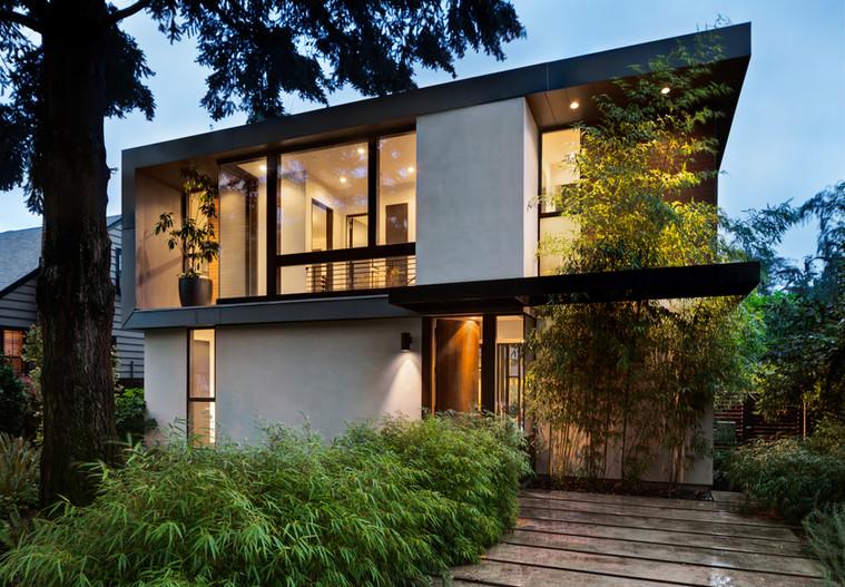 Nybygget villa i 2 plan