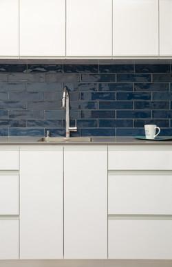 White kitchenit