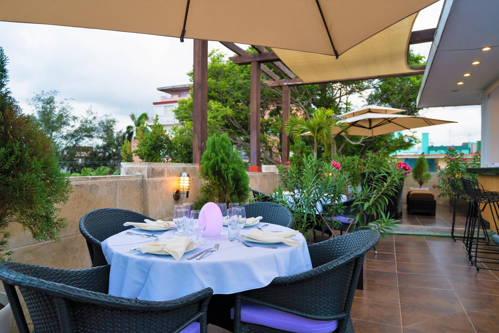 El Candil BH Rooftop Bar & Grill